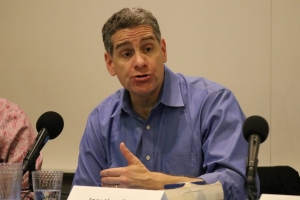 Professor Jonathan Zasloff, who is outspoken in opposing Measure S, addressed the legal pros and cons of the California ballot initiative process.